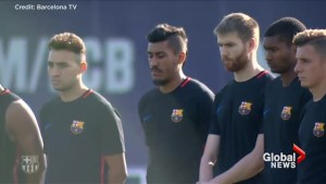 Barcelona soccer players hold moment of silence in honour of van attack victims